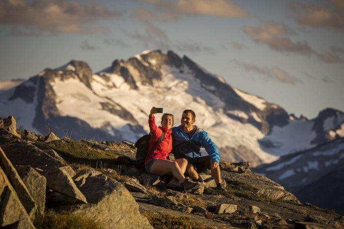 An alpine hike in Whistler - Photo by Justa Jeskova