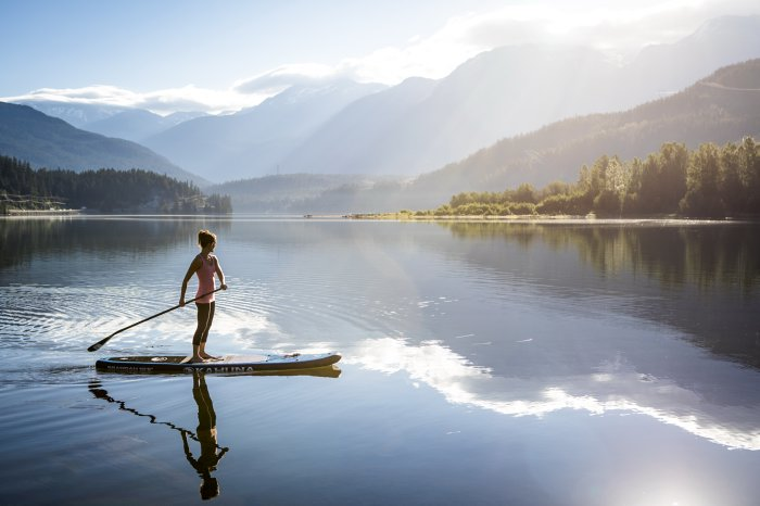 Sunrise paddle in Whistler - Photo by Justa Jeskova